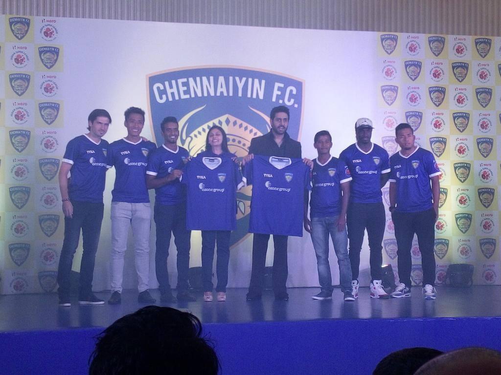 MS Dhoni's ISL team 'Chennaiyin FC' unveils jersey