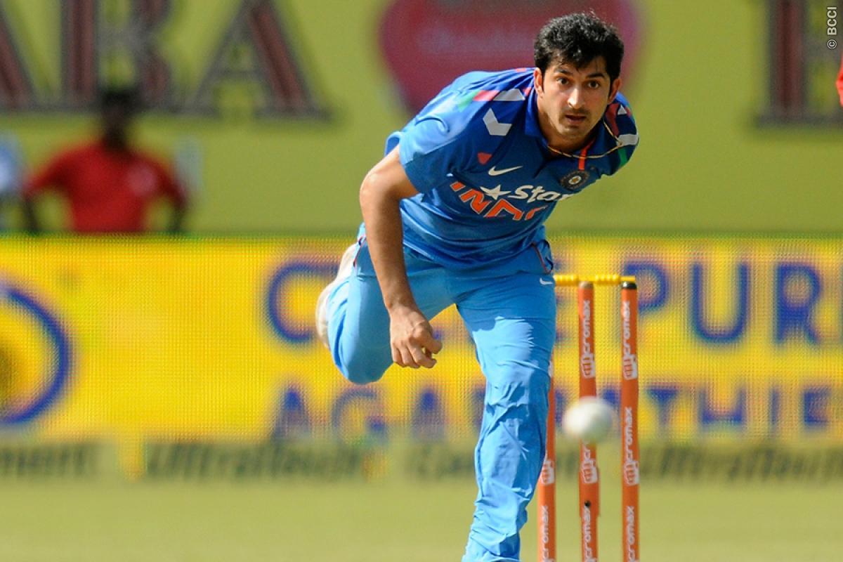 Ishant to replace injured Mohit Sharma for ODI series