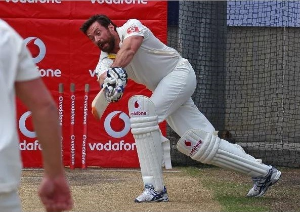 'Wolverine' Huge Jackman enjoys his cricket too! [VIDEO]