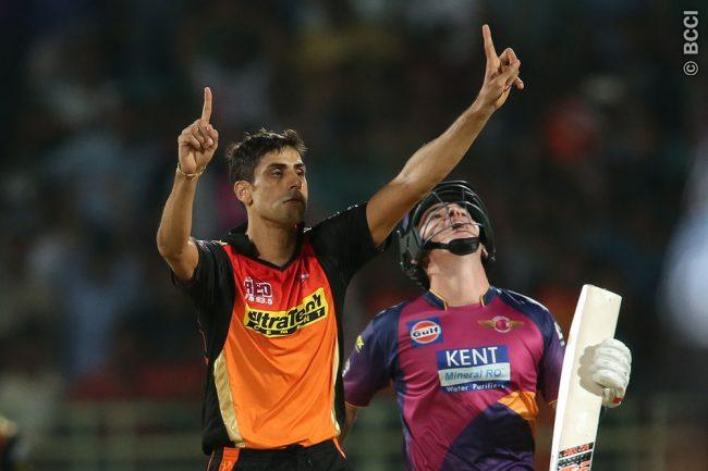 Pacer Ashish Nehra to Undergo Surgery in Right Knee in London