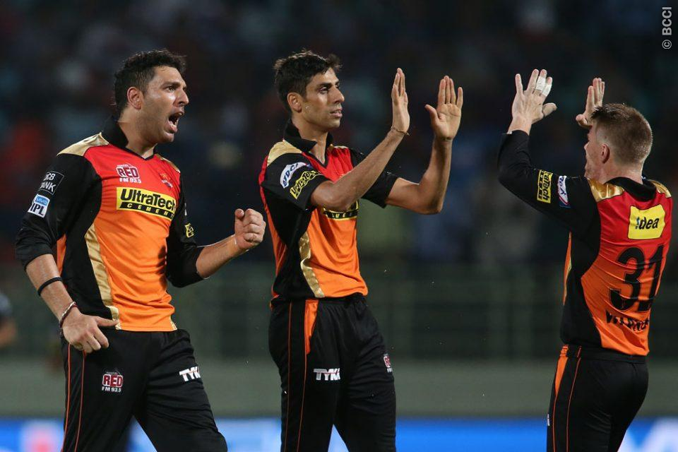 David Warner Inspiring Sunrisers Hyderabad with his Captaincy
