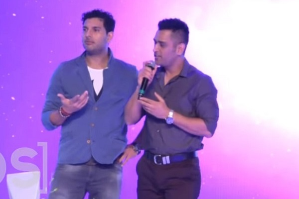 Watch MS Dhoni Singing 'Main Pal Do Pal Ka Shayar Hoon'