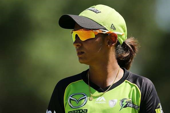 6 Sydney Thunders extend contract with Harmanpreet Kaur in BBL