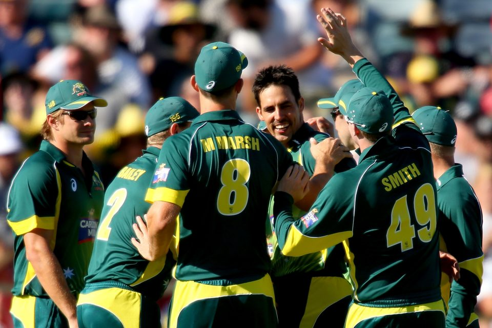 Glenn Maxwell-powered Australia clinch tri-series with thumping win over England