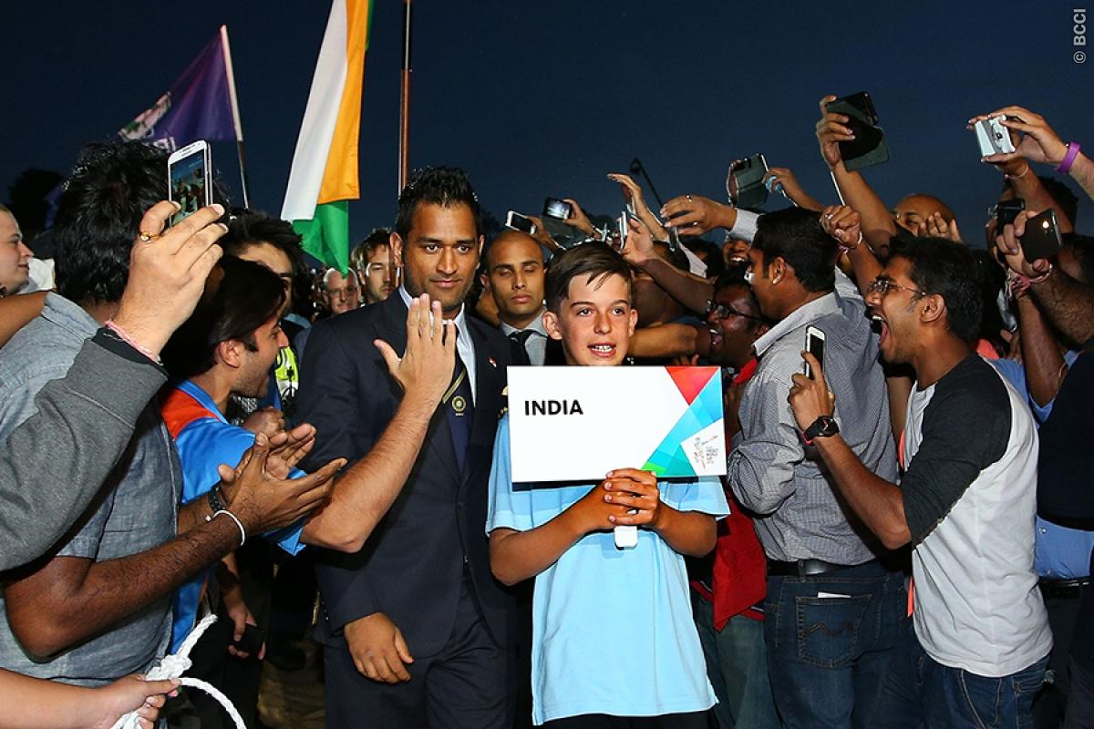 Must-Watch! This Video Proves How Much MS Dhoni Is Admired By His Fans