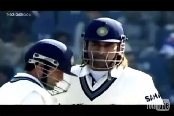 Watch MS Dhoni Thrashing Pakistan Pacer Shoaib Akhtar [VIDEO]