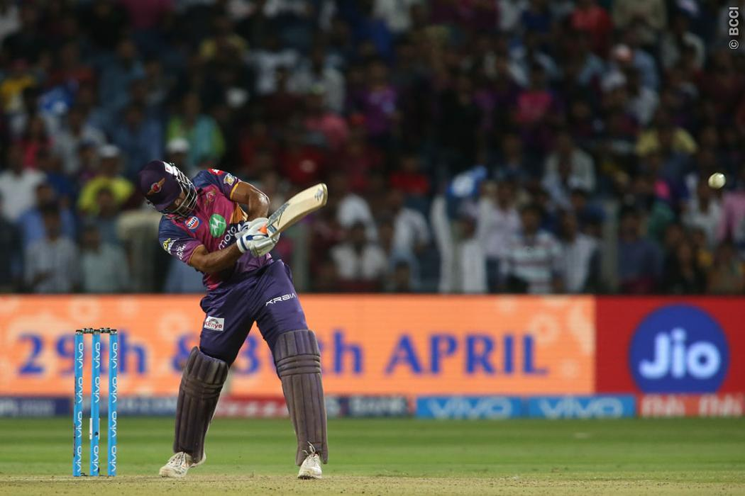 MS Dhoni's Magic Continues to Mesmerise Fans