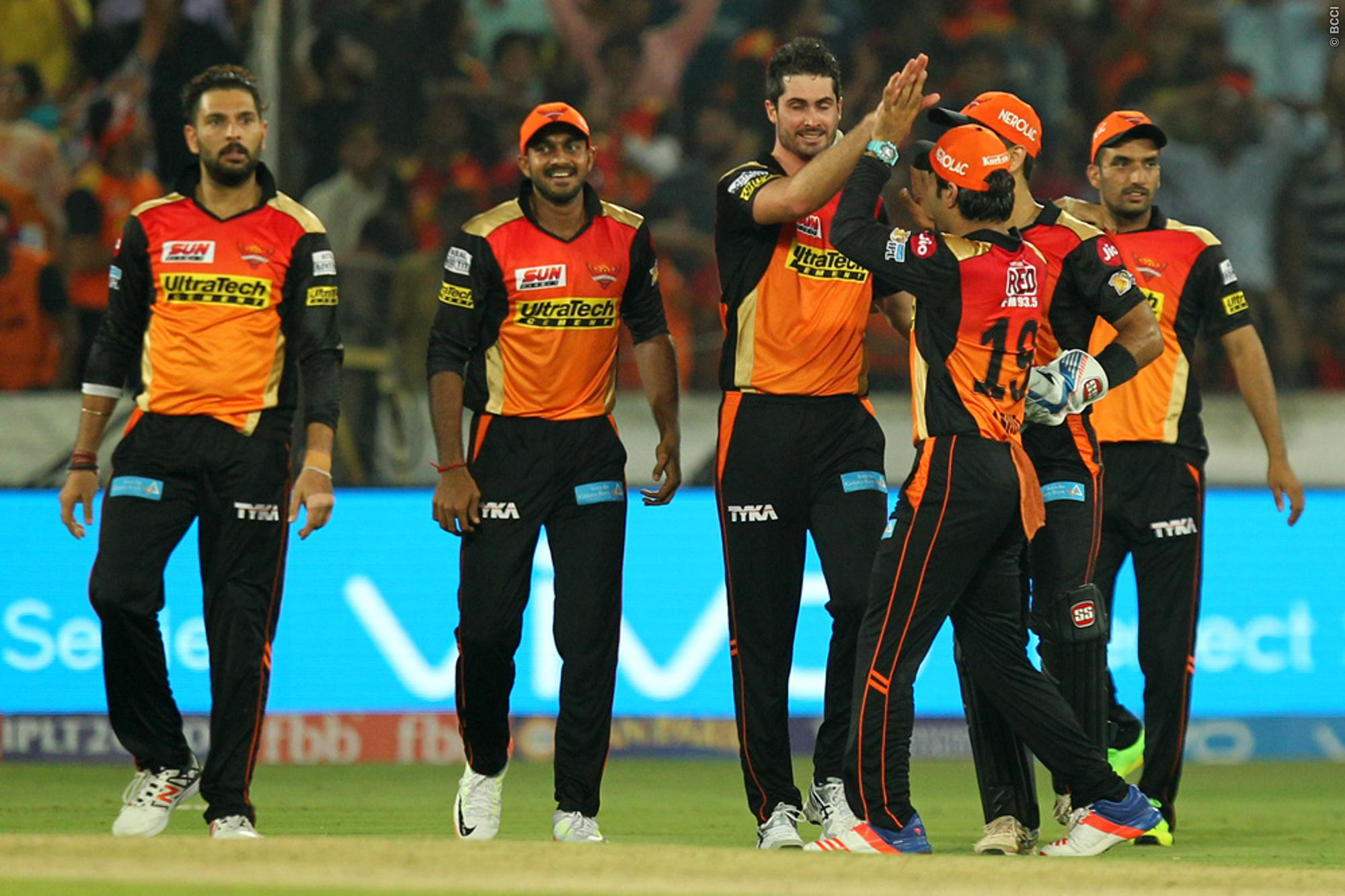 Yuvraj Singh Powers Sunrisers Hyderabad to win in IPL 2017 Opener