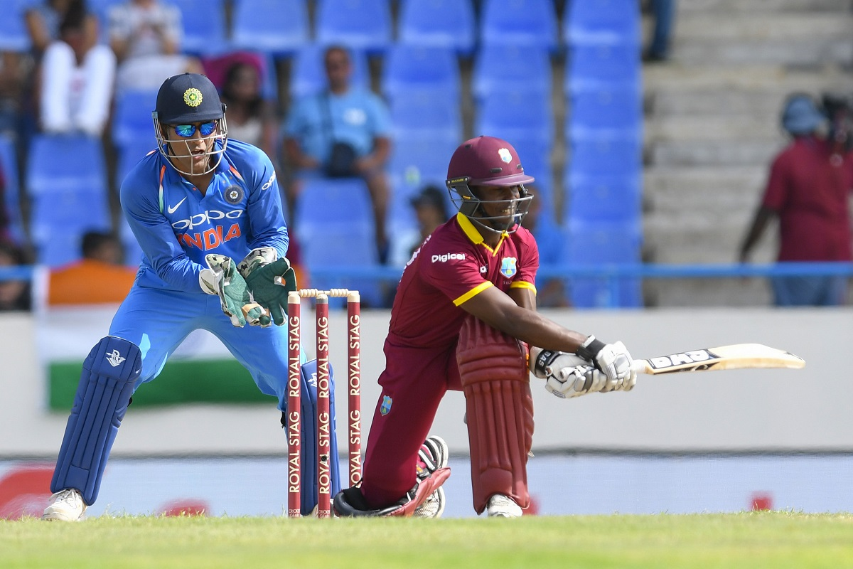 MS Dhoni Again Shows Everyone Who's the Boss