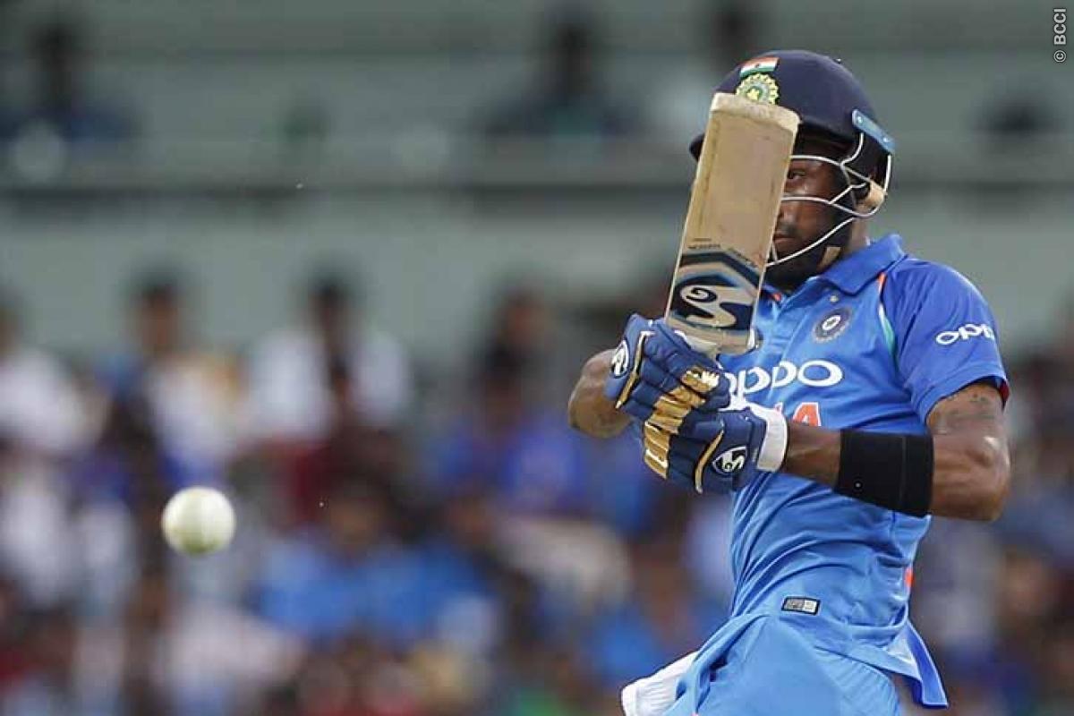 Steve Smith: MS Dhoni-Hardik Pandya Win it for India